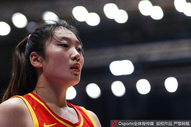 中国女篮队员李梦