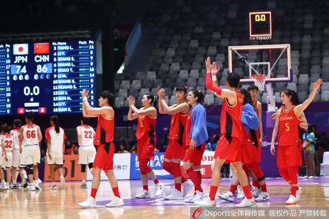 中国女篮击败日本女篮
