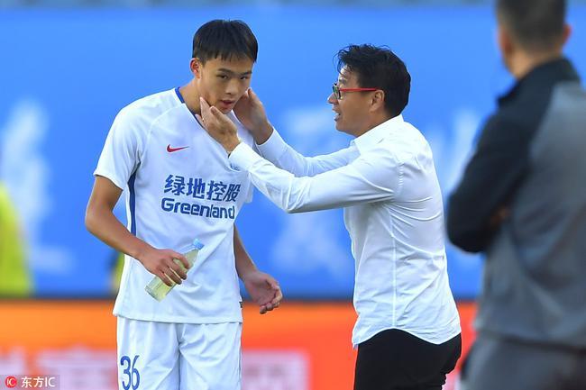 吴金贵:防守上存在很多的问题 替刘若钒感到高兴