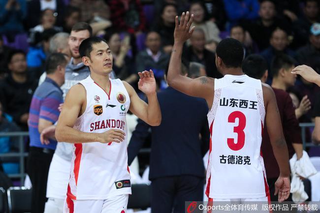 张庆鹏得到12分4个篮板和5次助攻