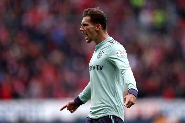 德甲-莱万助攻蒂亚戈 拜仁两中框+伤两将2-1客胜