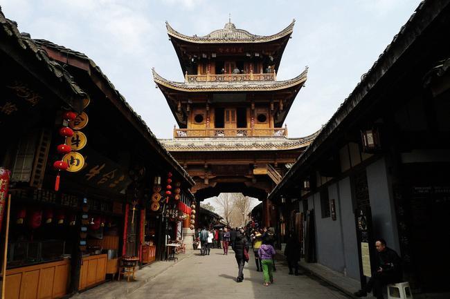 阆中古城资料图