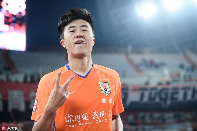多面手+攻防俱佳!刘洋入选国足因2点 为未来做准备