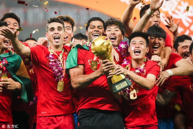 中超赛季最佳阵:上港五人鲁能三将 国安顶配双核