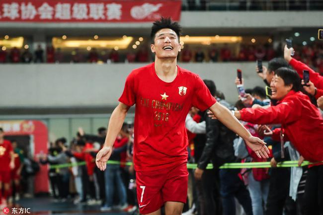 意名记赞武磊:中国足球的姚明 最具代表性的球员
