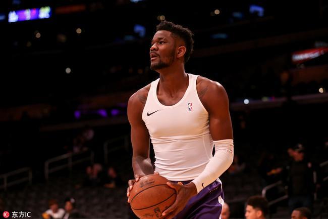 篮球史上端尿盆第1人!他这本来是库里的成名技