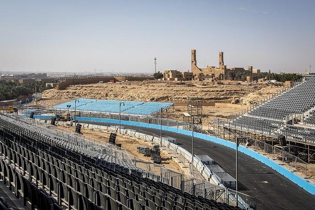 利亚德赛道在沙特说相符国教科文布局遗址所在地建造