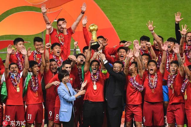 上港成为新科中超冠军