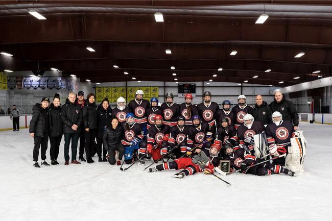 全华裔创造冰上稀奇,昆仑鸿星勇夺美国U19巡回赛冠军