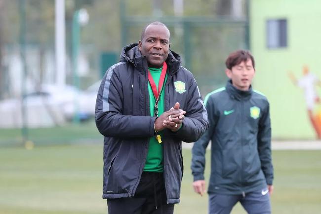 国安预备队新帅:多传授经验 培养球员如何用脑踢球