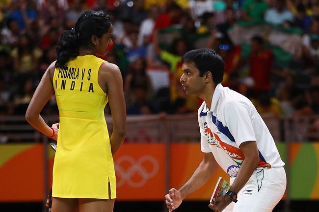 戈比昌与里约奥运亚军辛杜