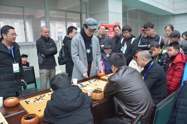柯洁指导乐清棋迷