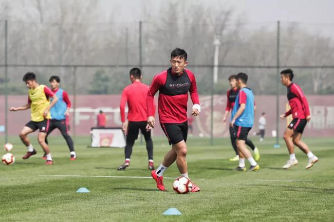 华夏集结将迎主场首秀 姜至鹏马尔康等重回训练场