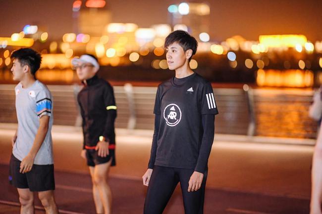 最帅女机长宋寅:跑步就像传销 上半马期待pb