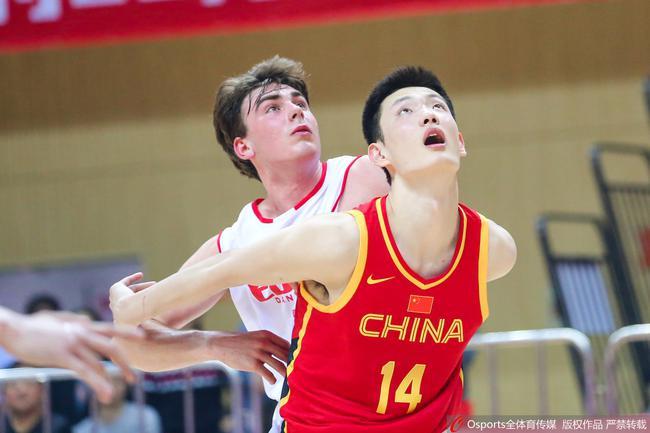 中国国青男篮66-60战胜丹麦青年队