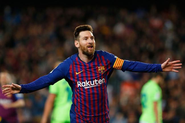 梅西职业生涯第36冠!10夺西甲冠军队史第一