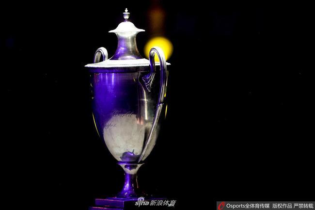 三连冠的马龙将收获一座复制的男单冠军奖杯(圣勃莱德杯)