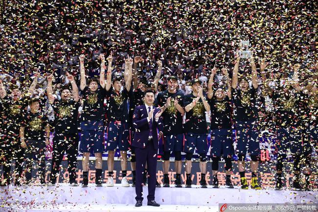杜锋带领广东夺第九冠