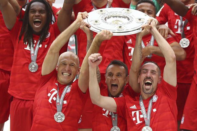 泪目!里贝里罗本拜仁最后一练 俱乐部办温馨仪式