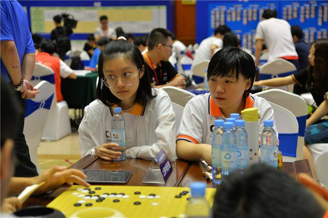 上海中国天楹队女棋手