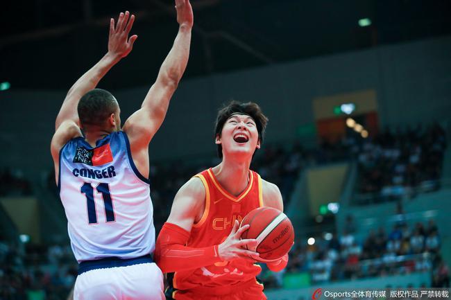 中国男篮101-98反转险胜澳洲