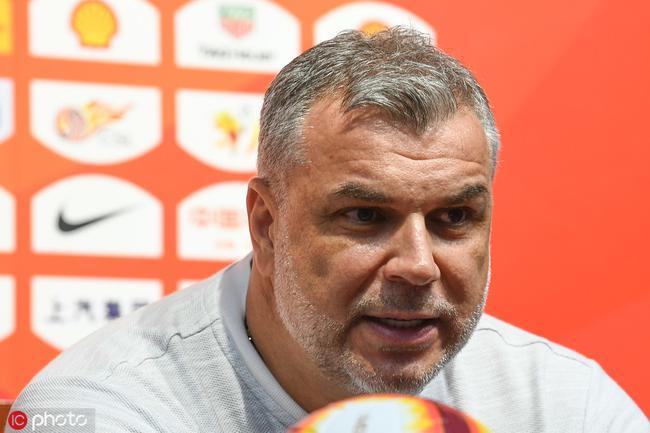 奥拉罗尤:非常遗憾要和球迷道歉 努力争取引援