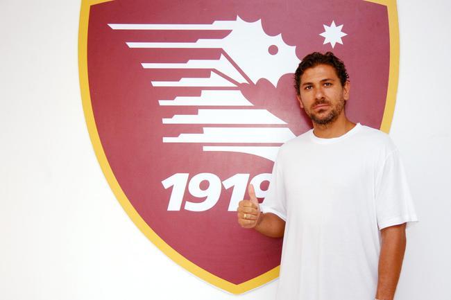 切尔奇回到了意大利踢球