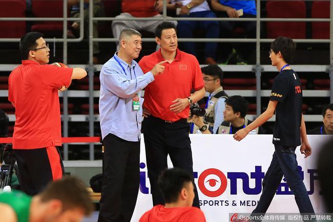 转载:徐济成:中国篮球并非满地鸡毛波兰捷克是榜样