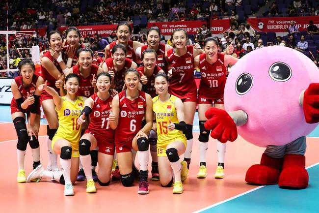 女排世界杯中国队迎战美国女排,中美两支球队皆保持六连胜