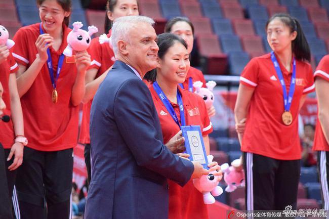顏妮回復不退役原因盼再戰奧運 發布會上爆出金句