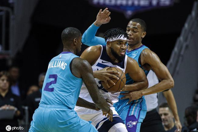 怎麼防?兩戰狂轟73分,11顆三分比Curry還狂,這賽季他要沖季後賽!(影)-籃球圈