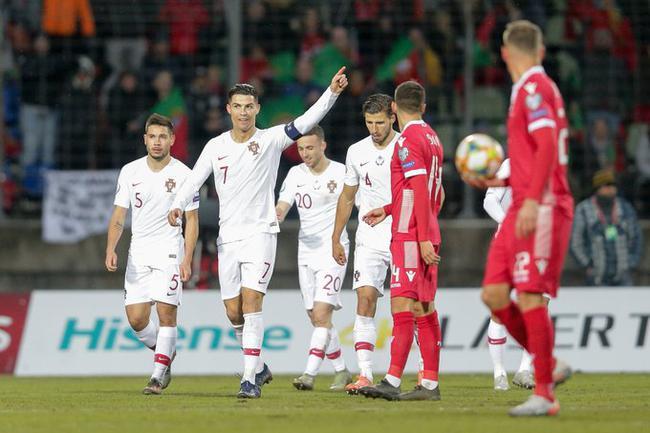 葡萄牙2-0客胜出线