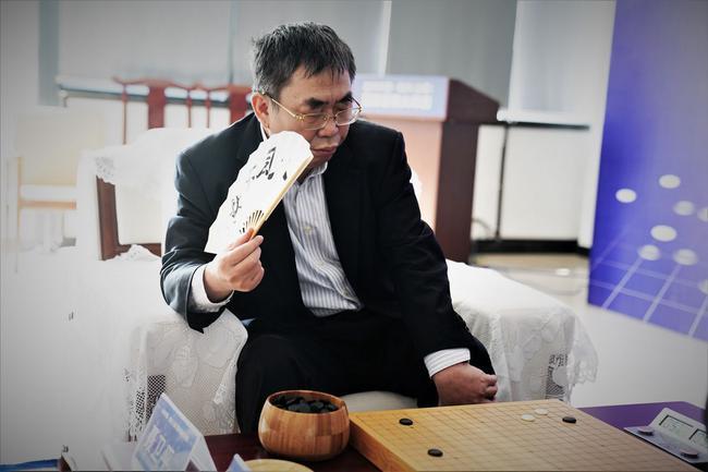 正直播围棋元老赛:聂卫平-华以刚 王汝南-黄进先