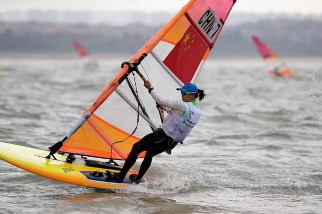 帆船帆板队冬训以赛代练 为参加