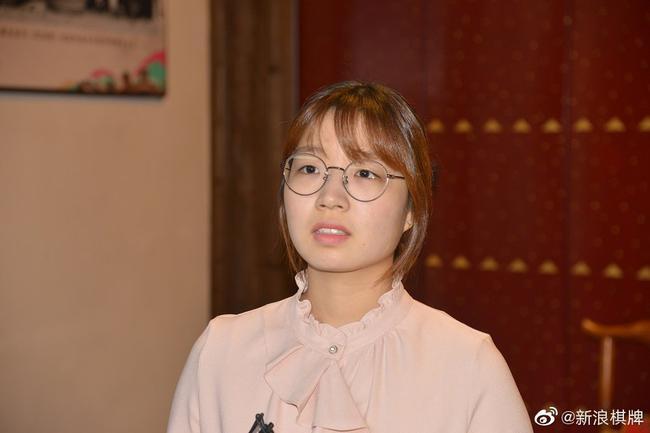 韩棋迷:崔精是韩国围棋瑰宝 男同胞何时有点出息?