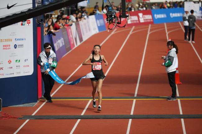 图说:中国马拉松在世界舞台的希望之星,李芷萱。