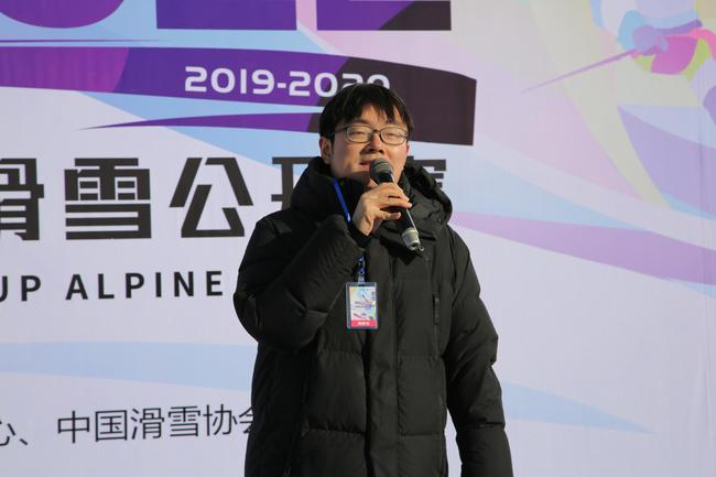 新浪體育商業頻道總監趙迪