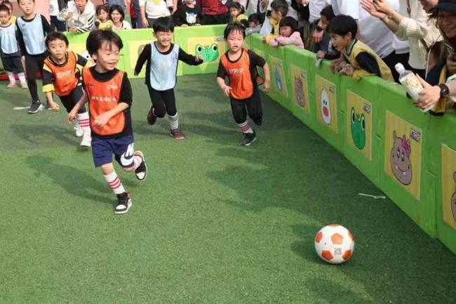 """普及幼儿足球 为""""娃娃足球工程""""打造""""羊城经验"""""""