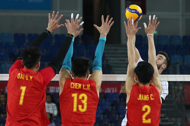 中国男排拦网