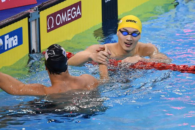 FINA冠军系列赛 徐嘉余获男子100米仰泳冠军