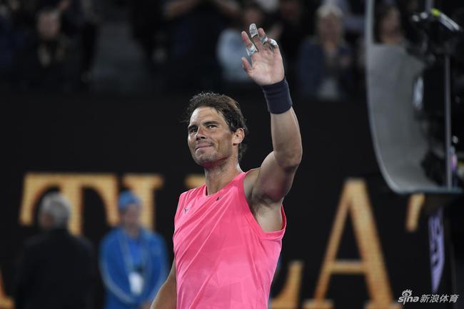 澳网纳达尔轻松晋级32强卡恰诺夫五盘惊险过关