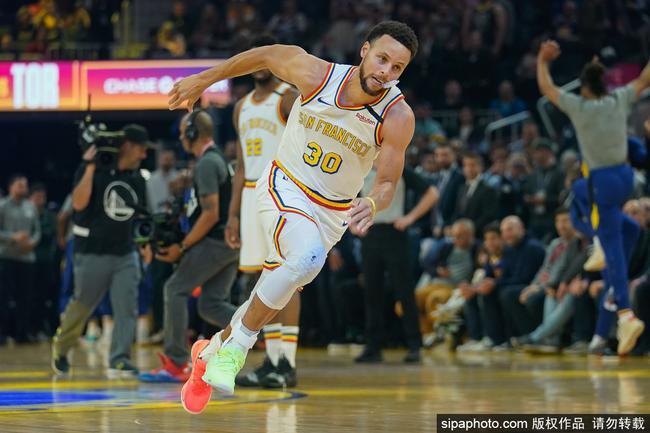 NBA经典:15-16总决赛 骑士VS勇士_直播间_手机新浪网