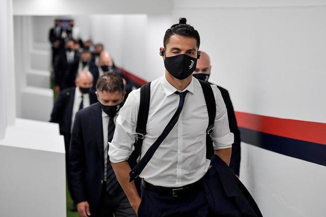 意甲-C罗破荒+进球无效 迪巴拉世界波 尤文2-0胜