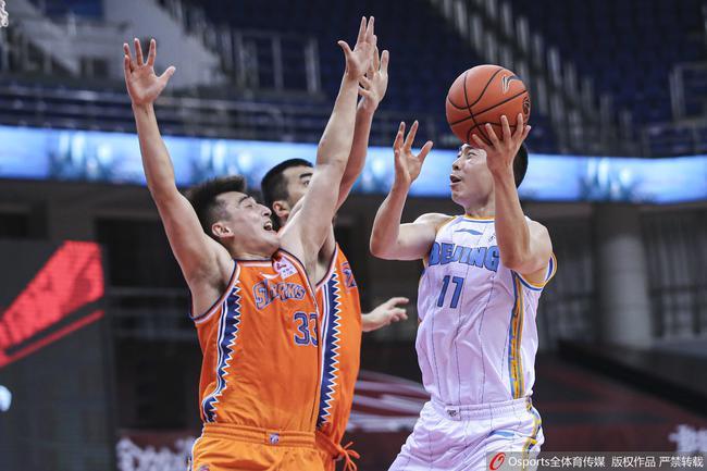 尤度31+19林书豪复苏砍26分 北京逆转击败上海