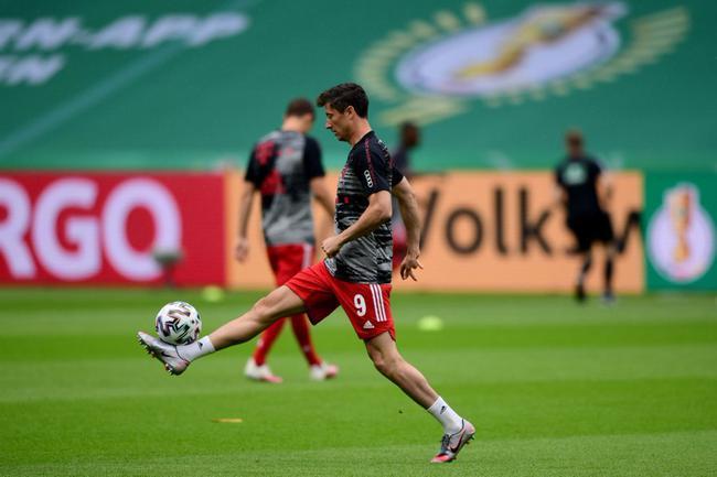 德国杯-莱万梅开二度创纪录 拜仁4-2药厂夺双冠王