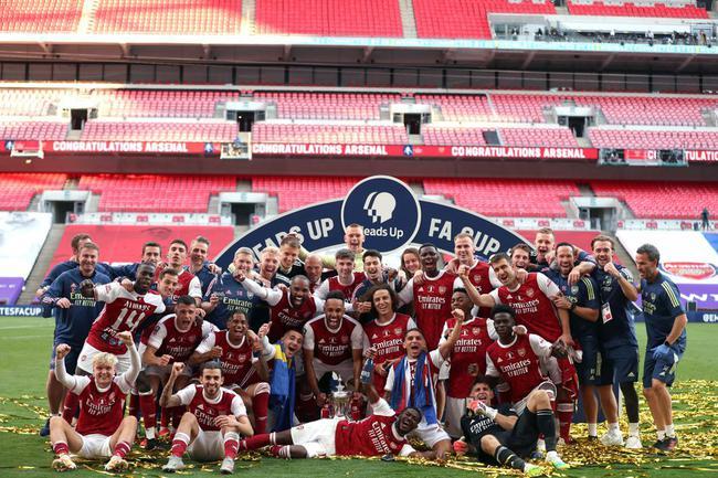 1162天!14冠!阿森纳终于拿冠军了 足总杯之王