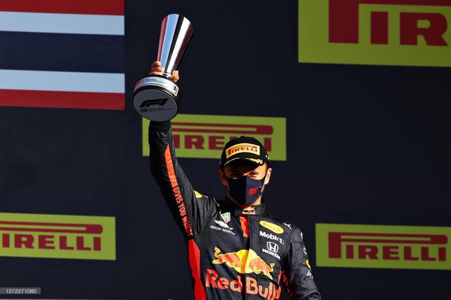 阿尔本职业生涯首次登上F1领奖台