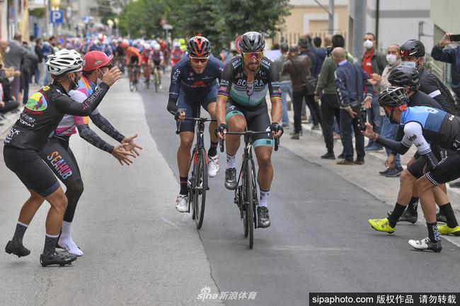澳洲一车队因工作人员新冠阳性退出环意自行车赛