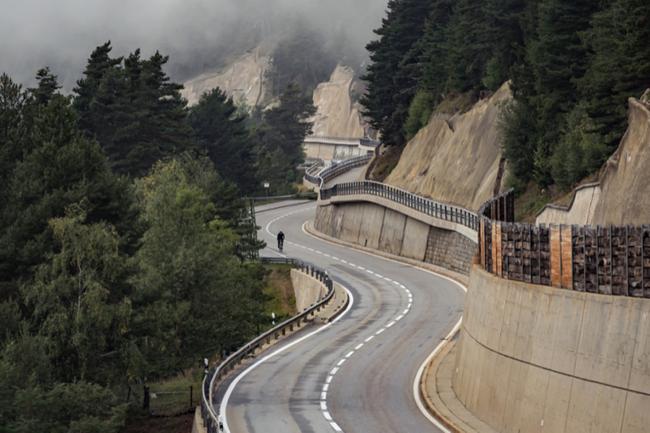 《【高德平台怎么样】全程325公里 大神无刹车穿越阿尔卑斯山》