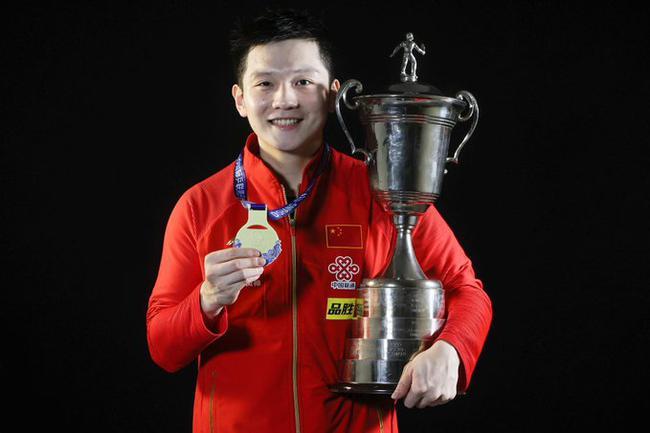 樊振东火出圈 日本羽毛球世界冠军盛赞小胖反手